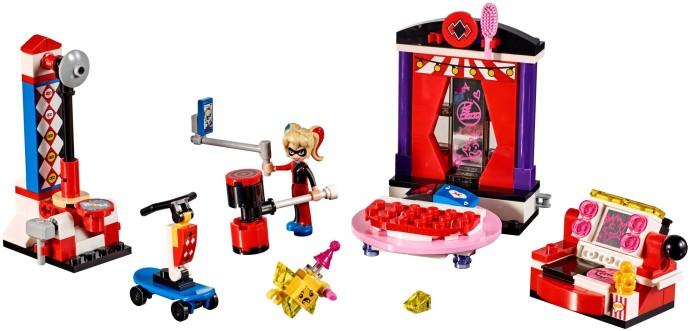 Lego DC Super Heroes Girls 41236 Harley Quinnin Asuntola