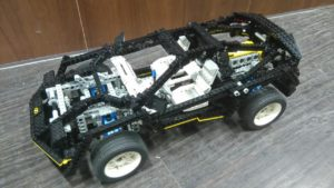 Lego Technic 8880 Super Car – Käytetty